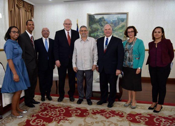 o Presidente da República recebe, em audiência, Representantes da Igreja de Jesus Cristo dos…