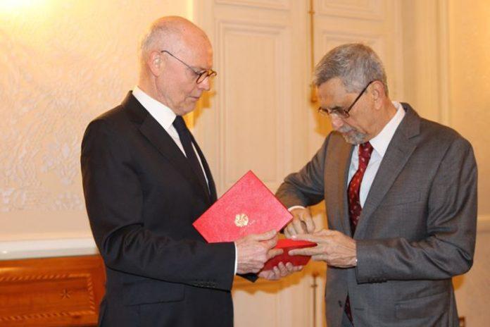 10 / ABRIL/18- Alguns registos do Jantar oferecido pelo Ministro do Estado de Mónaco,…