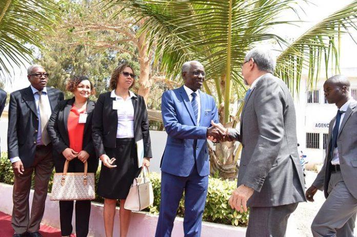 S. E. o Presidente da República deslocou-se, esta sexta-feira, 27, à Universidade Cheikh Anta…