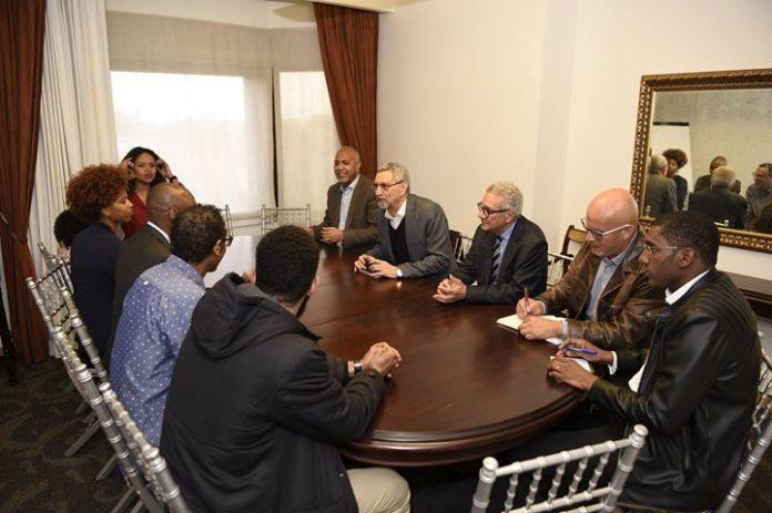 Encontro de S. E. o Presidente da República com jovens promotores da nova Associação…