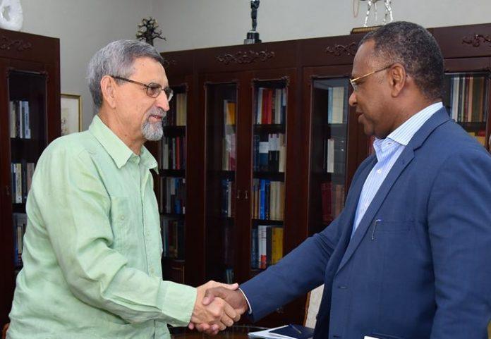 O Presidente da República recebeu, esta quinta-feira, 01, em audiência, o Presidente da Câmara…