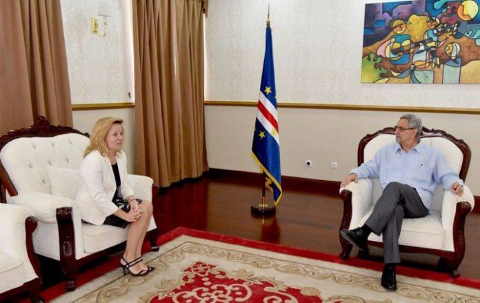Presidente da República recebe cumprimentos de despedida da Embaixadora de Espanha