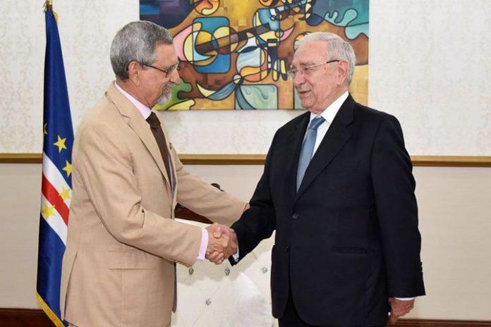 Presidente da República recebe delegação da Universidade Aberta de Portugal O Presidente da República…