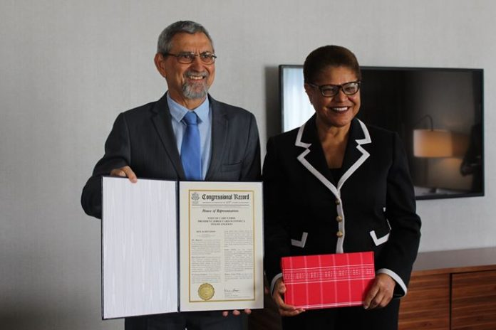 Presidente da República recebe a Congressista Karen Bass Dando continuidade à sua visita ao…