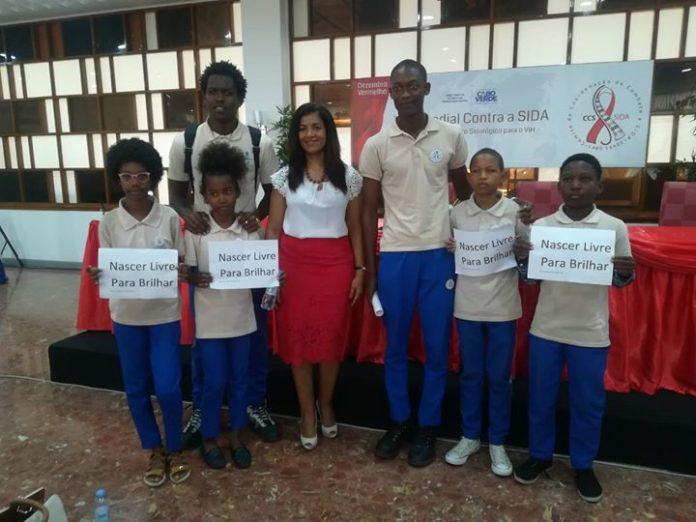 Primeira Dama, Dra. Lígia Fonseca, lança, em Cabo Verde, a campanha «Nascer Livre para…