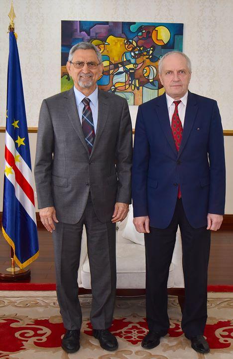 Presidente da República recebe em audiência o Embaixador da Rússia em Cabo Verde O…