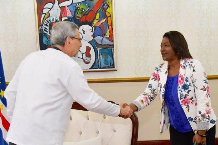 Presidente da República recebe, em audiência, a Deputada Nacional Drª Ana Paula Santos, da…