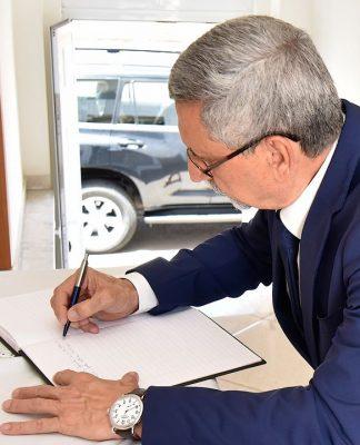 Assinatura do Livro de Condolências pelo passamento do Bispo Dom Paulino Évora. 20 de…