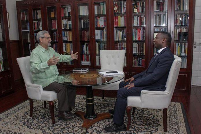 O Presidente da República recebeu, para um encontro de trabalho, o Vice-Primeiro-Ministro e Ministro…