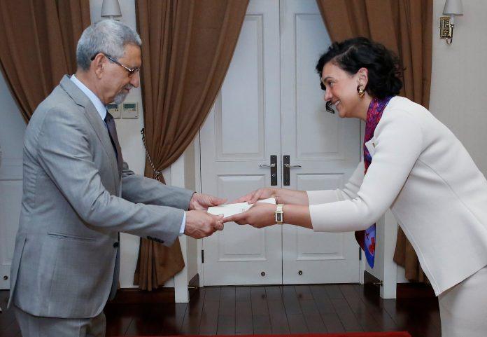 Apresentação das cartas credencias pela Embaixadora da Austr&aacu…