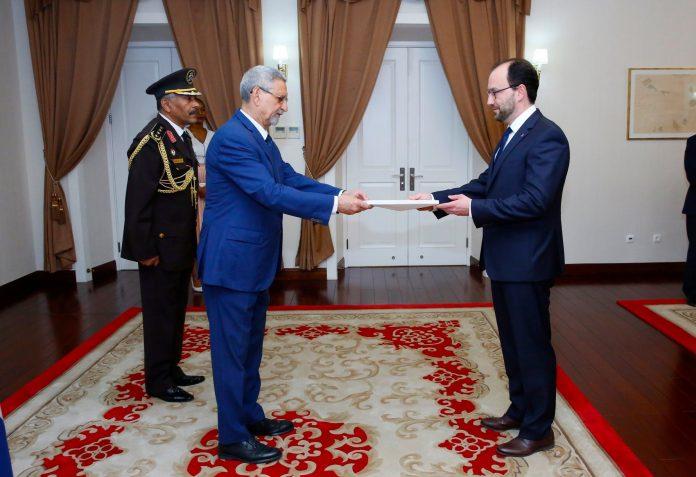 Apresentação das cartas credencias pelo Embaixador da Hungria – S…
