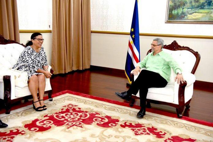 S. E. o Presidente da República recebeu, em audiência, esta quarta-feira, 18, a Ministra…