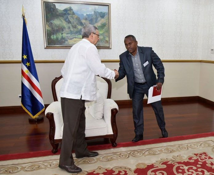 09 | ABRIL | 2018 Presidente da República recebe uma Delegação do Partido Popular…