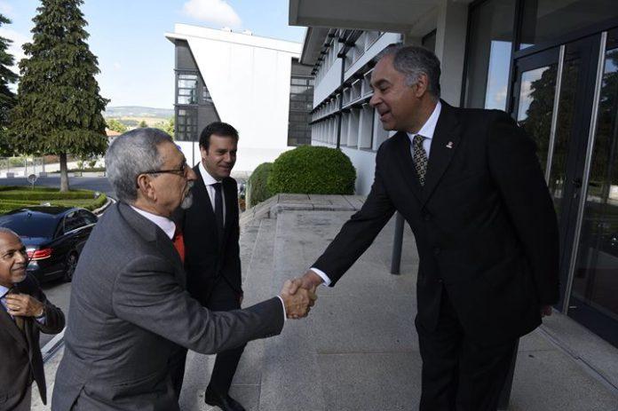 S. E o Presidente da República e comitiva visitaram a Câmara Municipal de Bragança,…