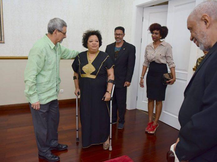 S. E. o Presidente da República recebeu, na sexta, 2 de Março, a cantora…