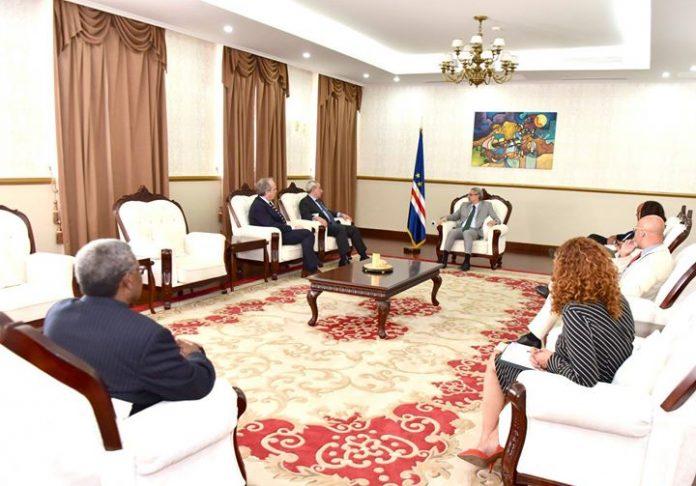 Presidente da República recebe em audiência o Secretário Executivo da CPLPL, 11 de Janeiro…