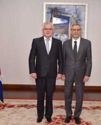 Presidente da República recebeu cartas credenciais do novo Embaixador da Eslováquia, Senhor Oldrich Hlavacek…