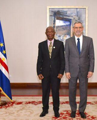 Presidente da República recebeu cartas credenciais do novo Embaixador da Serra Leoa, Senhor Alhaji…