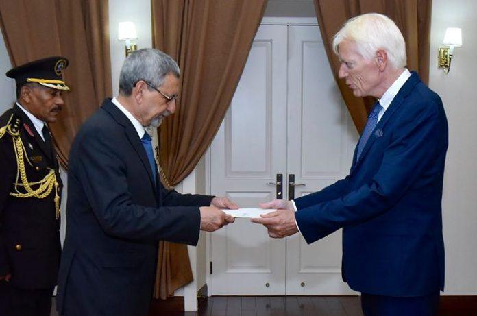 Apresentação de cartas credenciais pelo novo Embaixador da Dinamarca, Senhor Lars Faaborg Andersen Praia,…