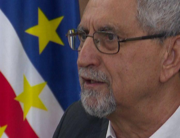 O Presidente da República desloca-se a Ouro Preto – Brasil no dia 21 do…