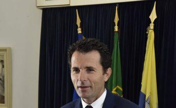 Recepção do Presidente da República e comitiva  pelo Presi…