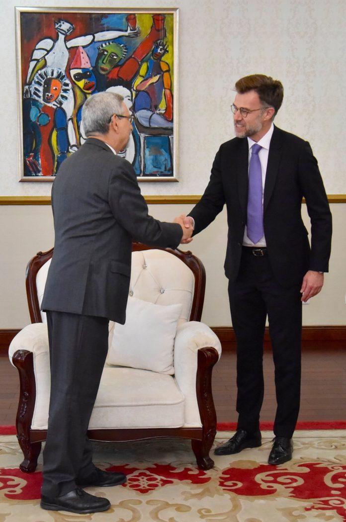 Presidente da República recebe visita de uma delegação gov…