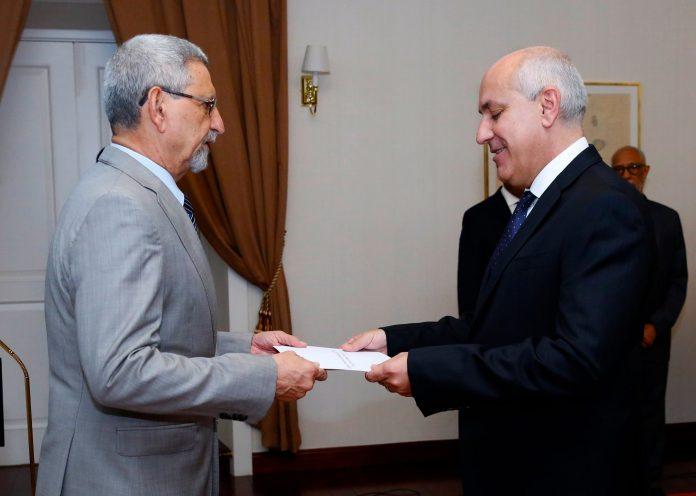 Apresentação das cartas credencias pelo Embaixador de Portugal – …