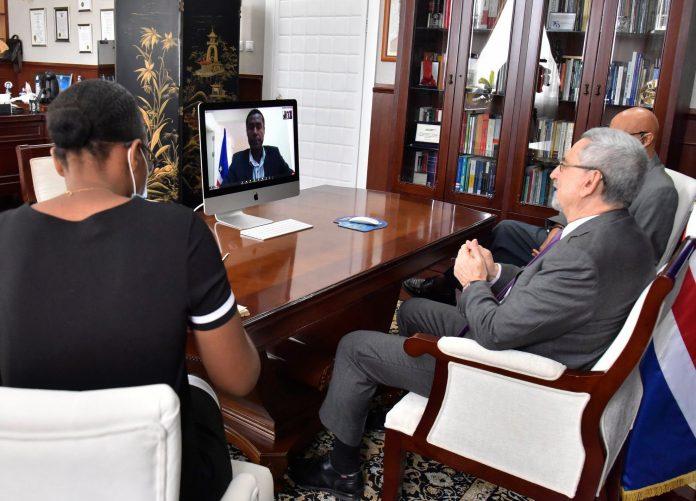 Por vídeo conferência, o Presidente da República falou, no final da manhã de 17…