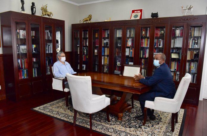 Presidente da República recebe, em audiência, o Procurador-geral da República, Dr. Luís José Landim…